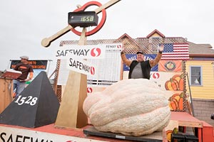 Winning mega pumpkin