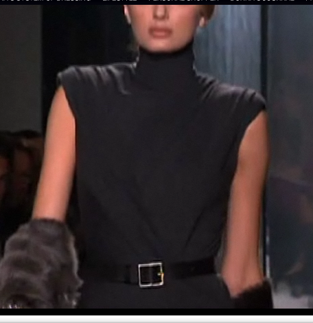 Sleeveless turtleneck 2