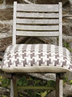 Houndstooth Cushion 260x310