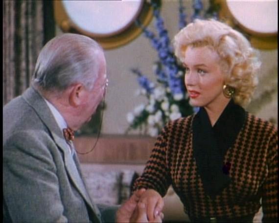 Marilyn-monroe-gentleman-prefer-blondes-pictures-5-e1324991929526