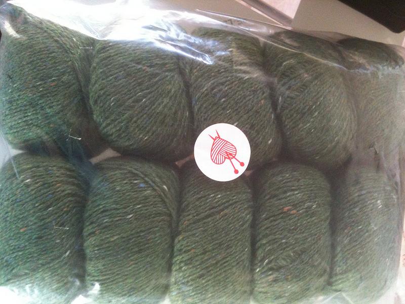 Felted tweed hedgerow
