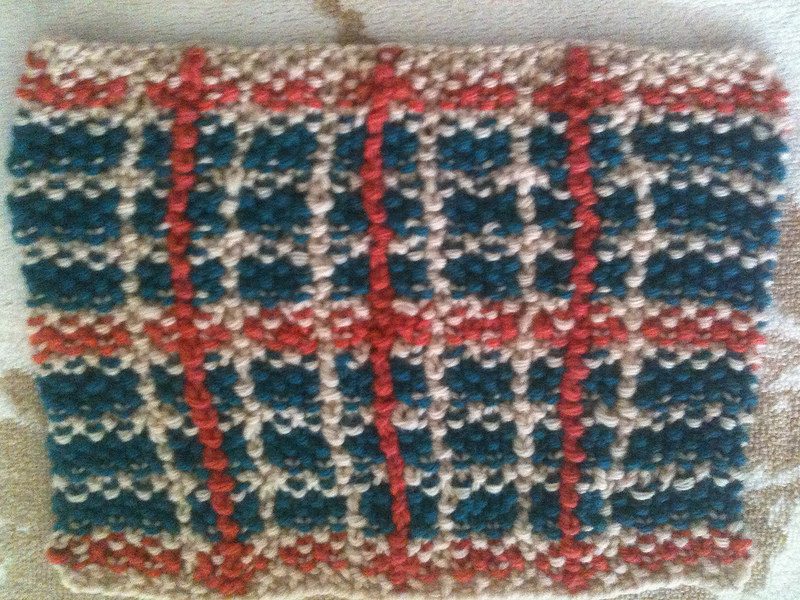 Intarsia moss stitch plaid