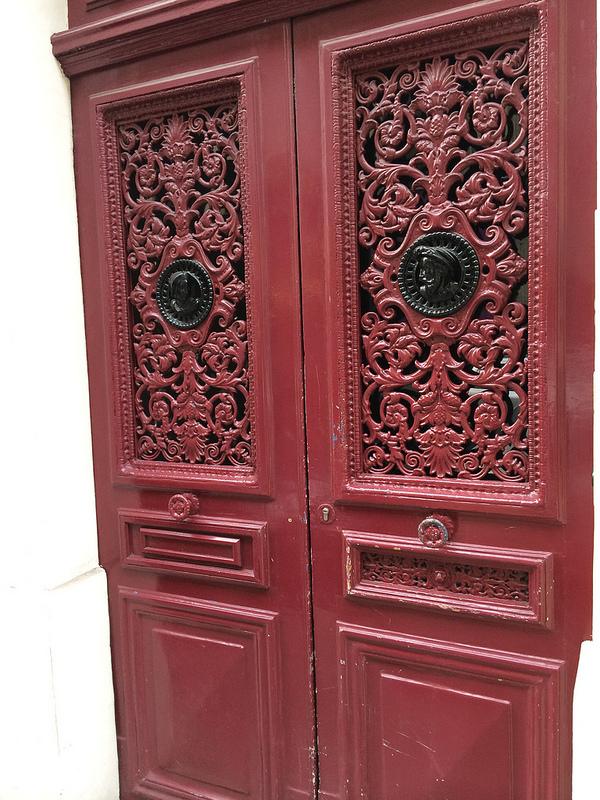 Red door wide screen