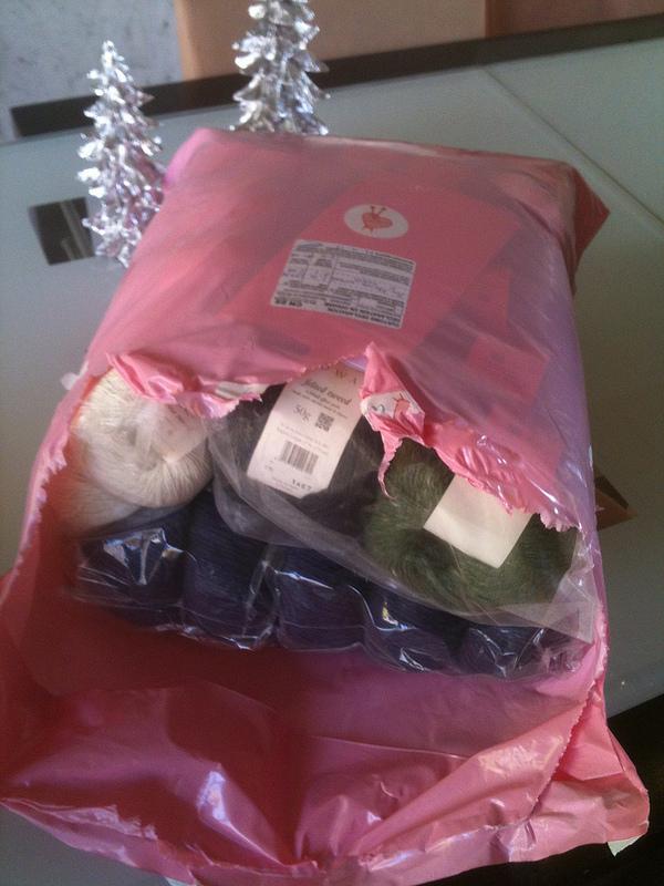 Opened yarn package