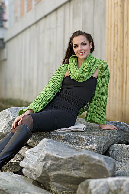 Zest Shawl by Linda Marveng