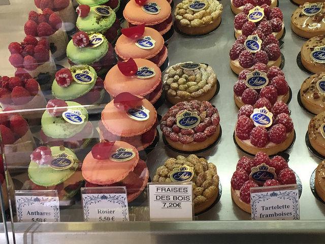 Stoherer pastry case