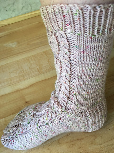 Handknitted sock Indigo leaves pink