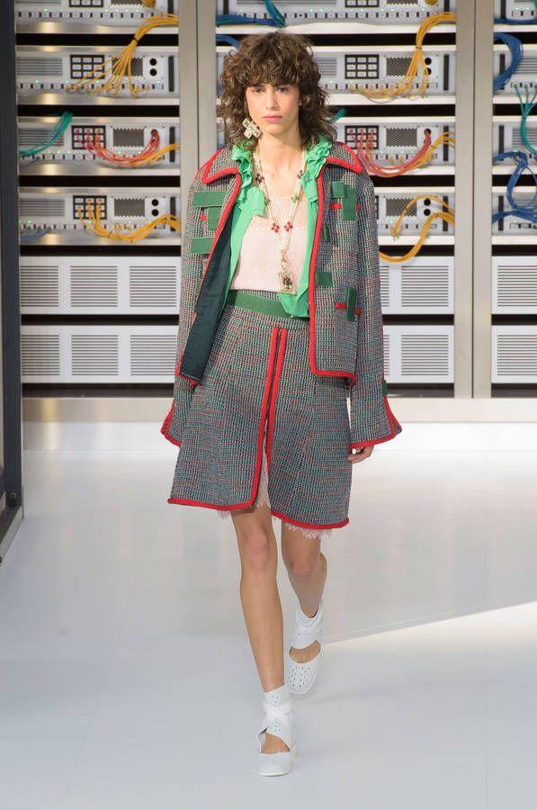 Le compte rendu du défilé de mode de la marque Chanel - printemps-été 2017